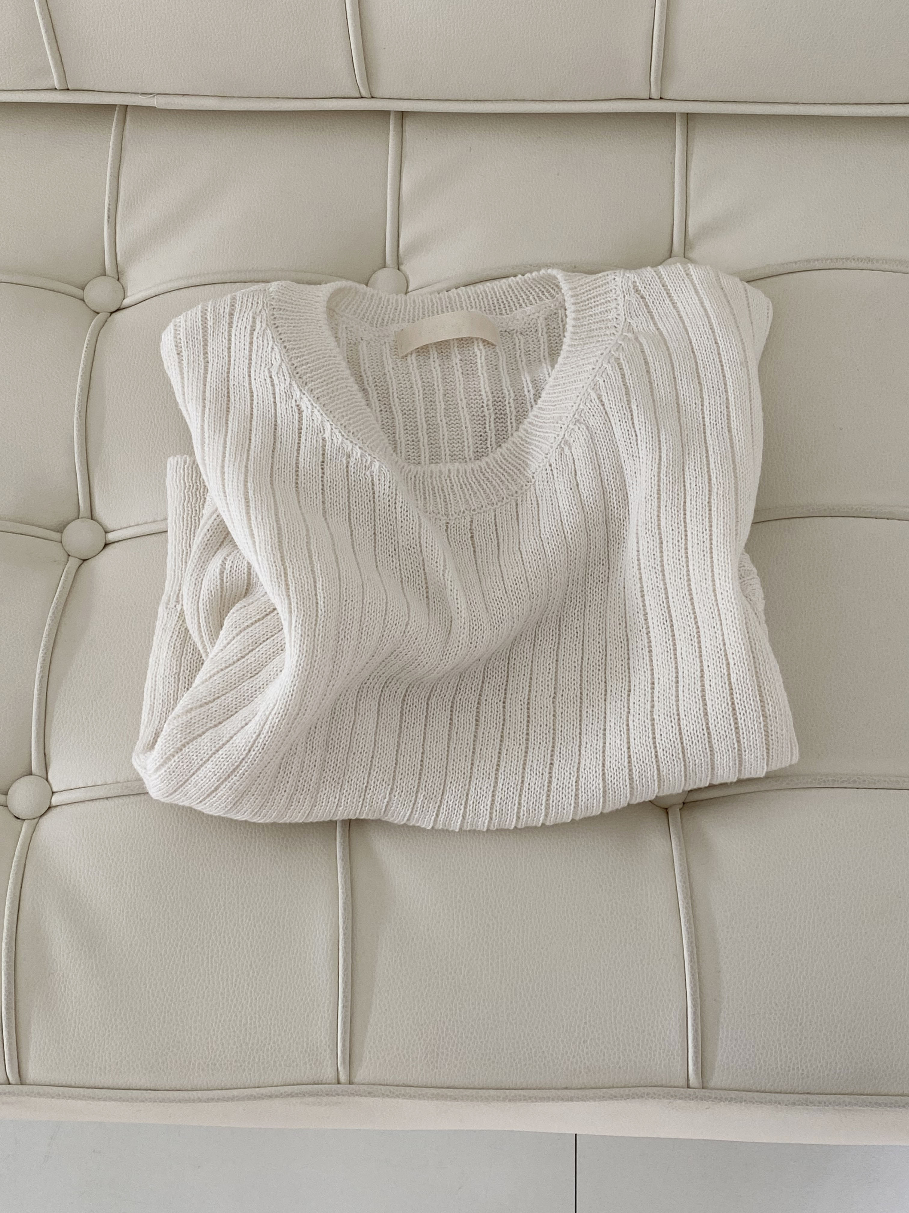 Ribbed round knit